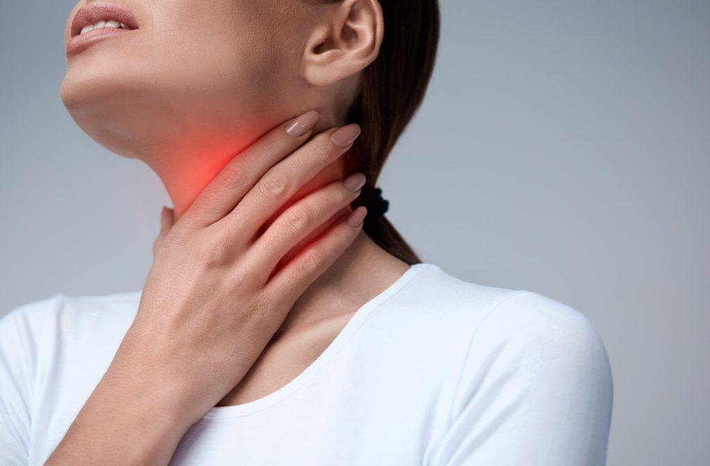 Causas y síntomas que provocan el Dolor de Garganta
